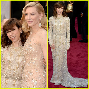 sally-hawkins-meets-up-with-fellow-nominee-cate-blanchett-on-oscars-2014-red-carpet